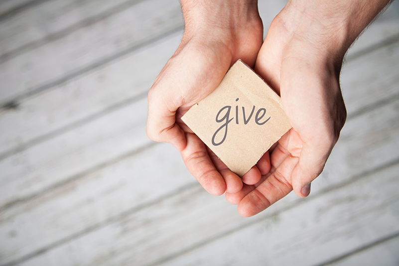 9 Easy, Unique, and Fulfilling Ways to Give Back This Thanksgiving